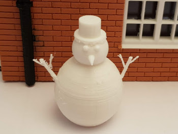 GScale Snowman made 3D printed for garden model railway